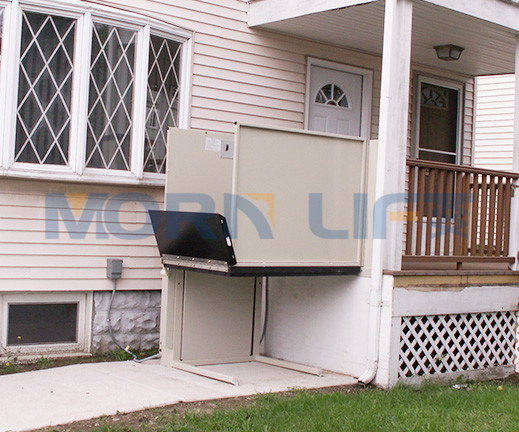 Outdoor wheelchair lift 15m from MORN